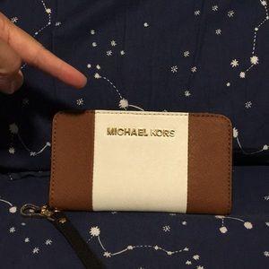 Michael Kors Bags - Michael Kors Phone wristlet